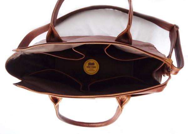 Jan Pierewiet   Peaking Patrys   Large Leather Diaper Bag Interior